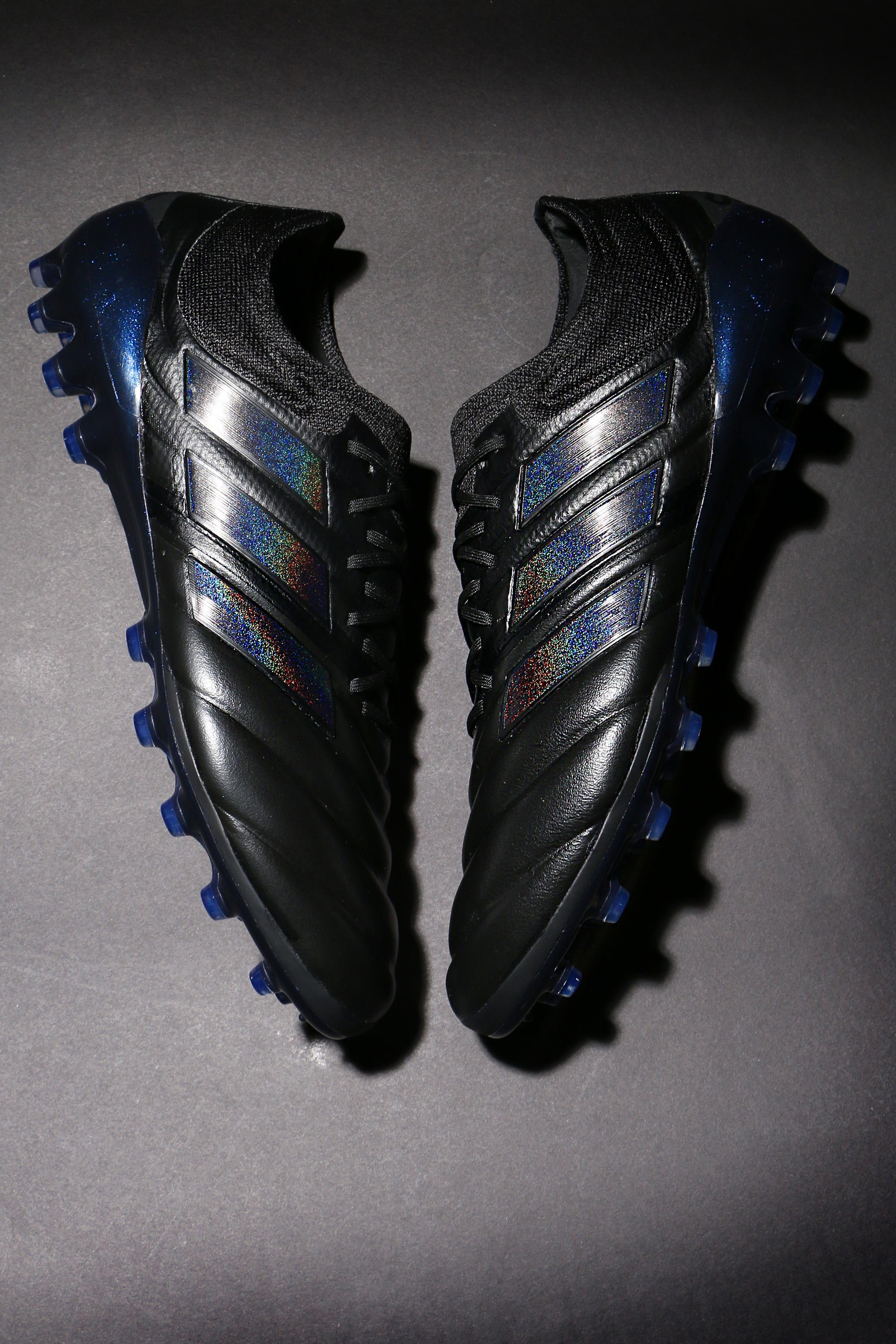 Pin en Botas de fútbol