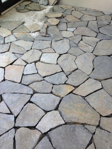 Installing A Flagstone Patio With Mortar: Installing Flagstone For The Chelan Front Yard.