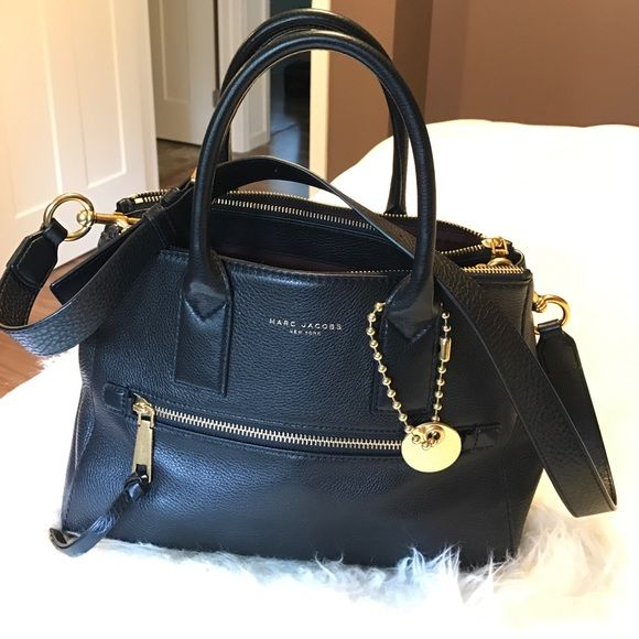 d5e36a30173 Marc Jacobs Bags - Marc Jacobs Recruit East West Tote | Gently Used ...