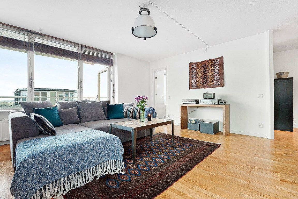 Grå Grizzlyn bäddsoffa Soffa, compact living, smart förvaring, djup, säng, vardagsrum, sovrum