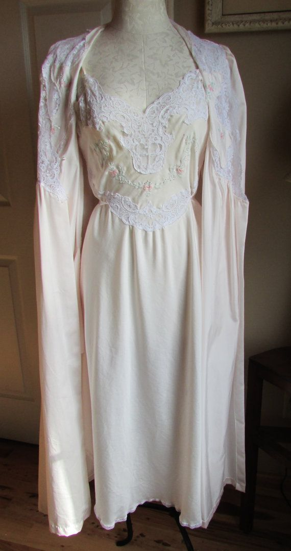 Vintage 80's Barbizon Peignoir Night Gown And by DartAndDashery