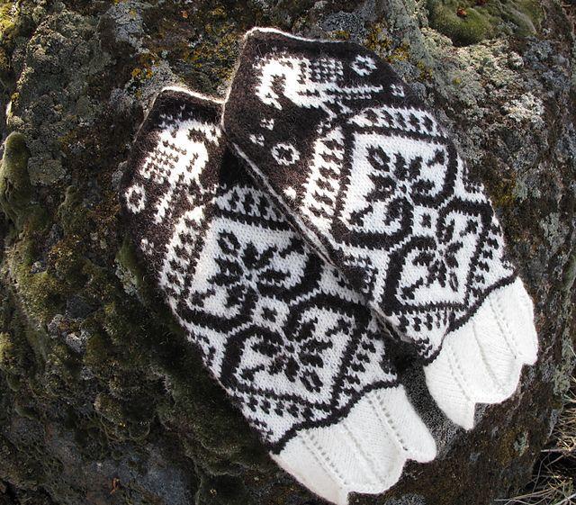 Ravelry: Berit's Double Heart Glittens pattern by Cynthia Wasner