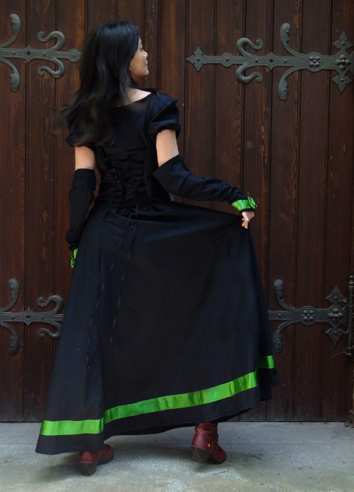 gothic brautkleid abendkleid mit passenden stulpen und