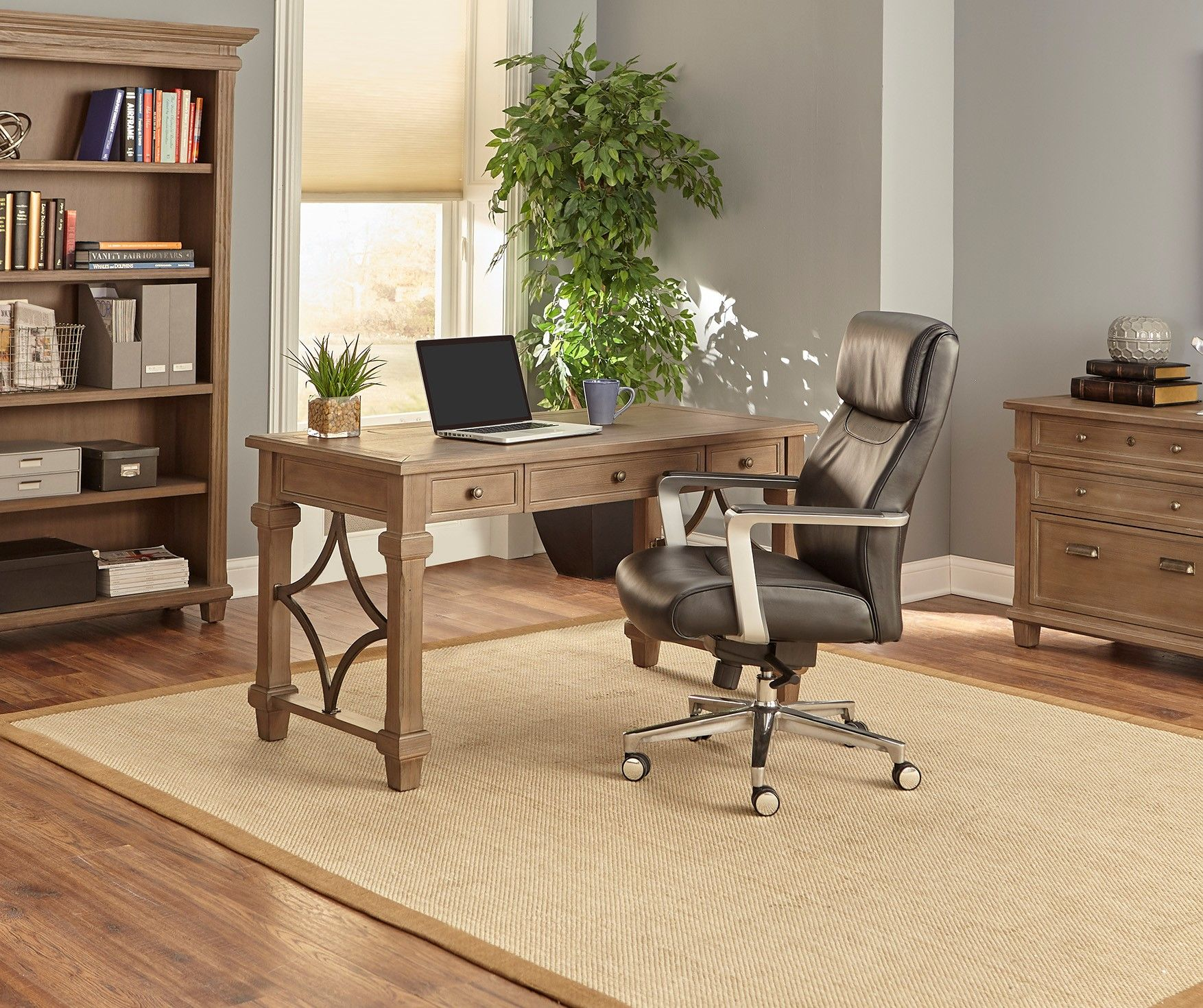 Traditional Interiordesign Ideas: Rustic Traditional Home Office Furniture #homeoffice