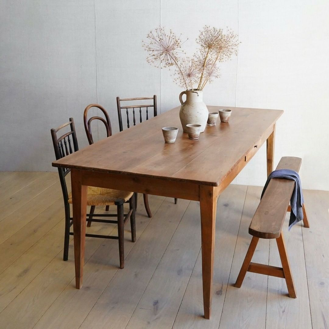 "Vinterior on Instagram: ""Farmhouse chic for everyday of the week, a beautiful cherrywood farmhouse table.  #vinterior #vintagefurniture #curatedvintage…"""