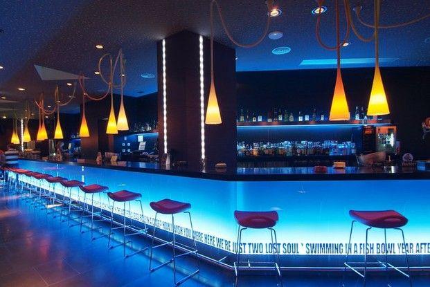 Discotecas modernas buscar con google bares de copas pinterest discotecas bar y moderno - Discoteca ozona madrid ...