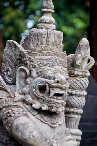 Pura Goa Lawah, Darwan, Bali.