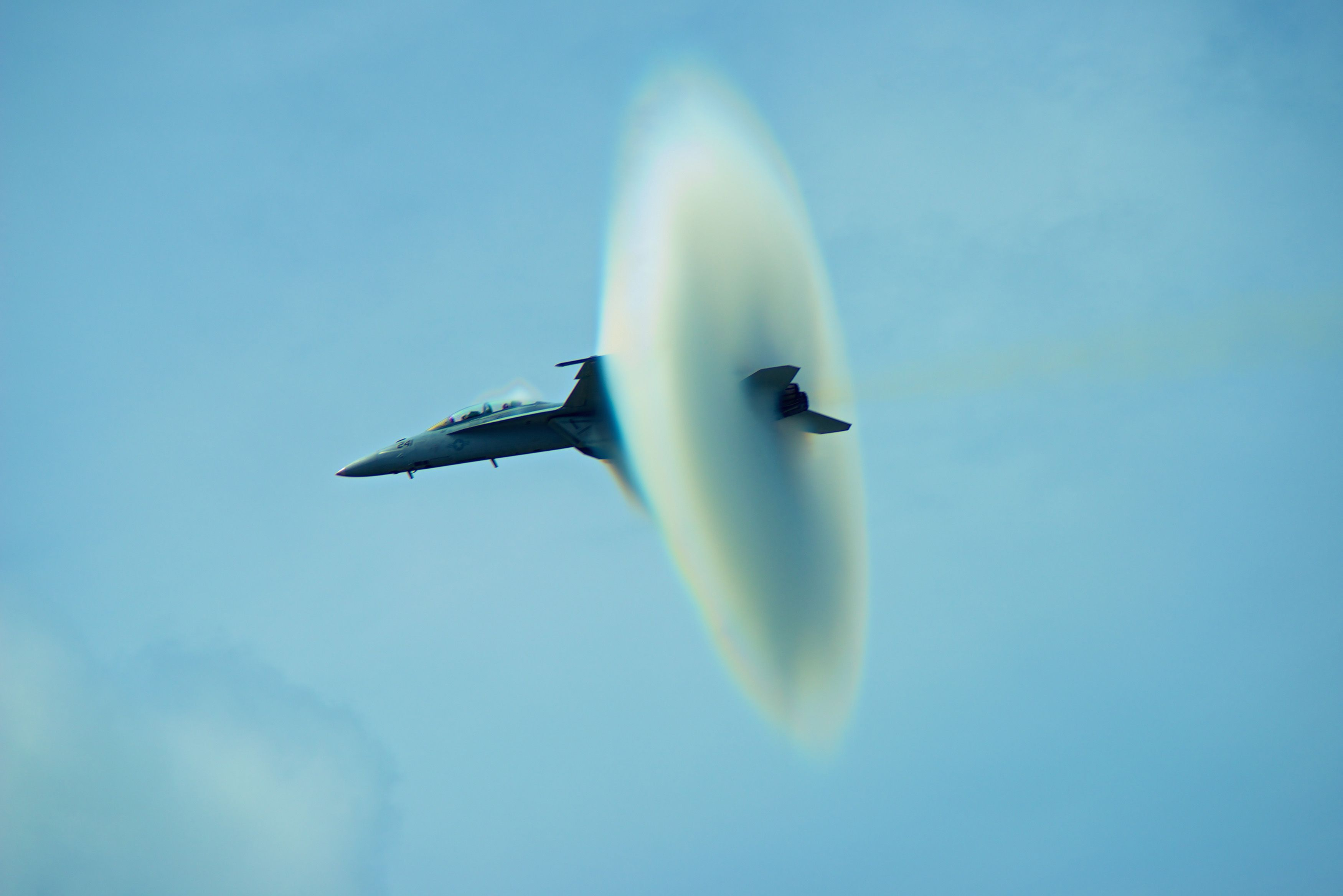 Jet breaking sound barrier looks like this Speed of
