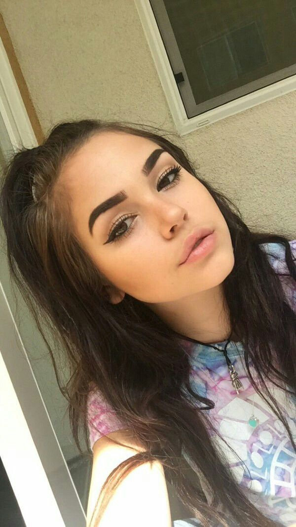 Hannah Fin A 17 Year Old Girl Who Is Extremely Shy She Loves