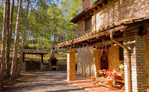 Fotos De Les Cases Del Pla De Montpol Casa Rural En Lladurs Lleida Casas Rurales Casas Estilo En El Hogar