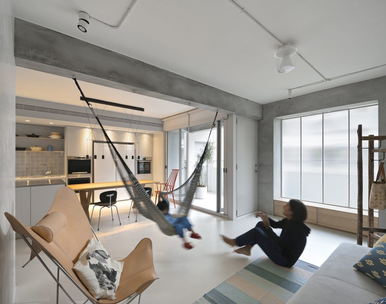 Gallery of Backlight Apartment / 2BOOKS design - 1