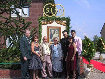 Versiering gouden bruiloft gouden bruiloft in de oude for Gouden bruiloft versiering