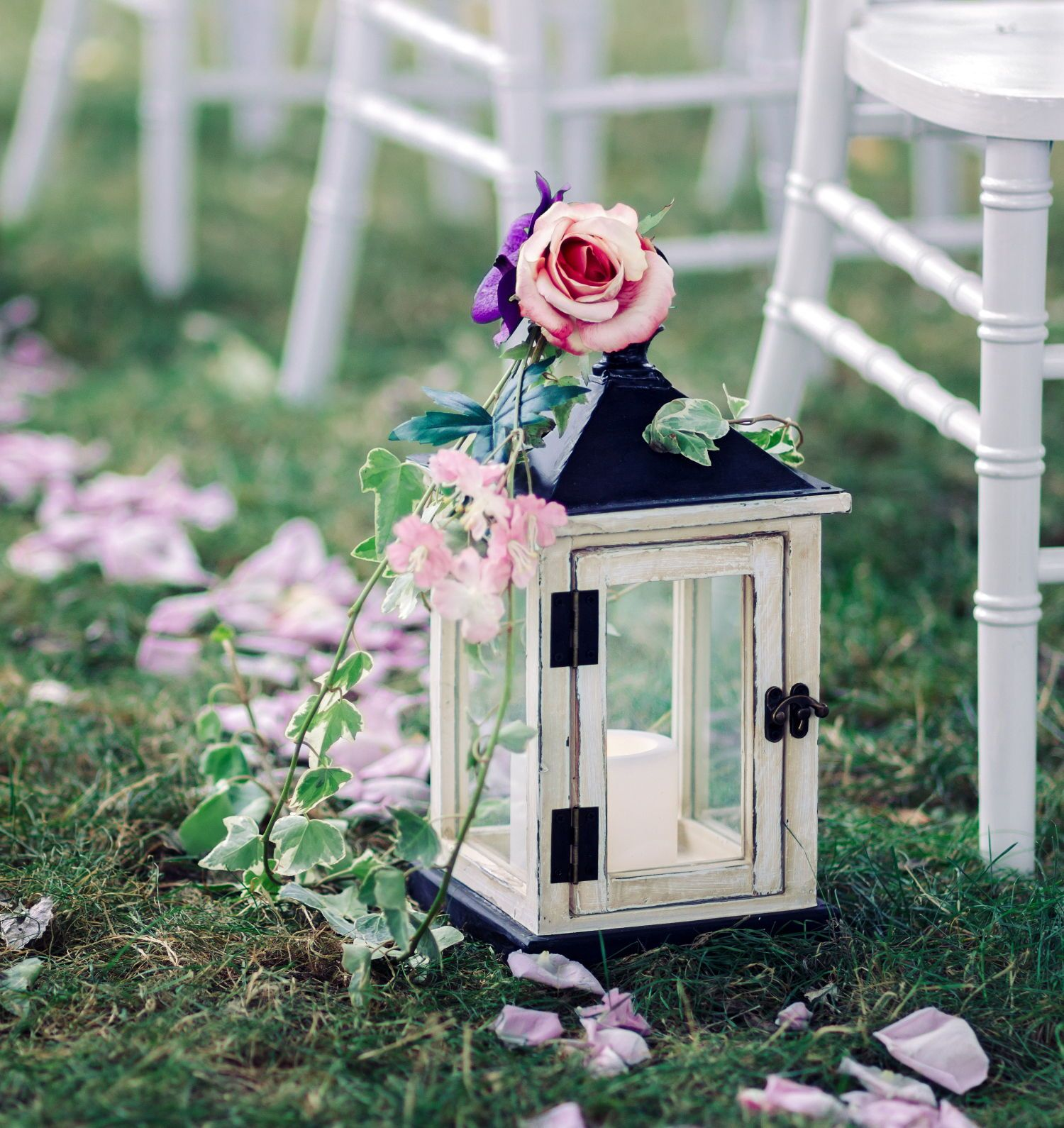 Beautiful Indoor Wedding Ceremony: Flameless Candles For Wedding Aisle: 8 Stunning Looks