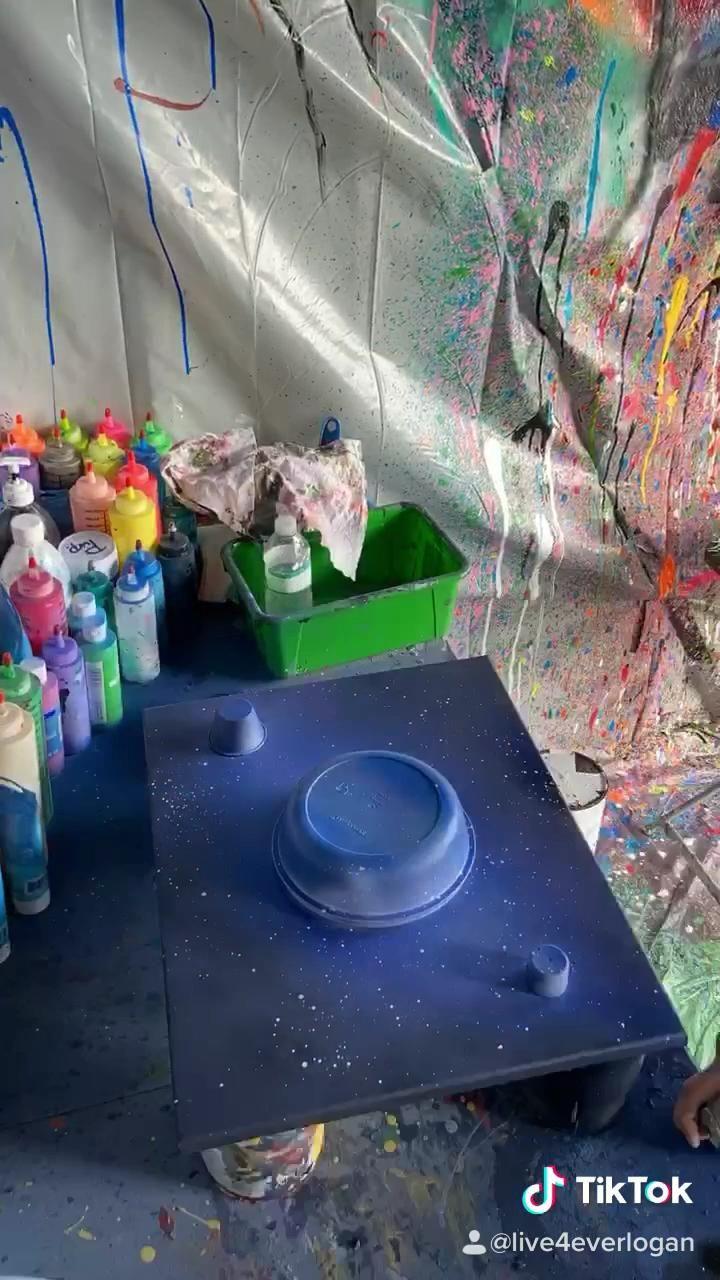We dont mess with 12 around here 😎 #painting #spraypaint #artistsoninstagram #artcreative #artstylechallenge