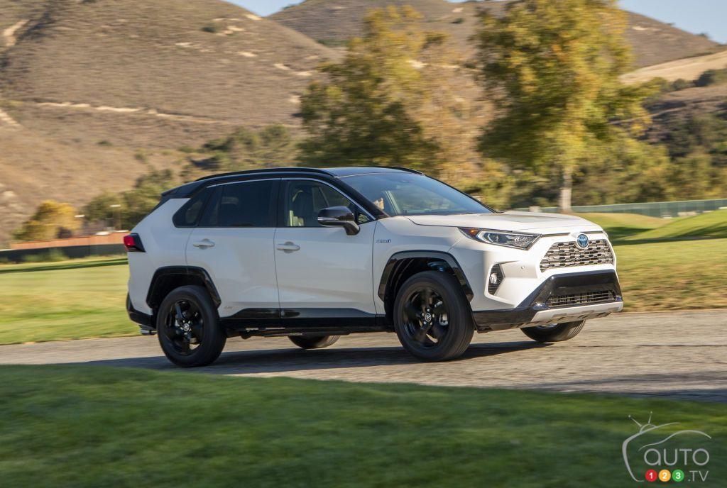 2019 Toyota RAV4 hybrid review Toyota rav4 hybrid, Rav4