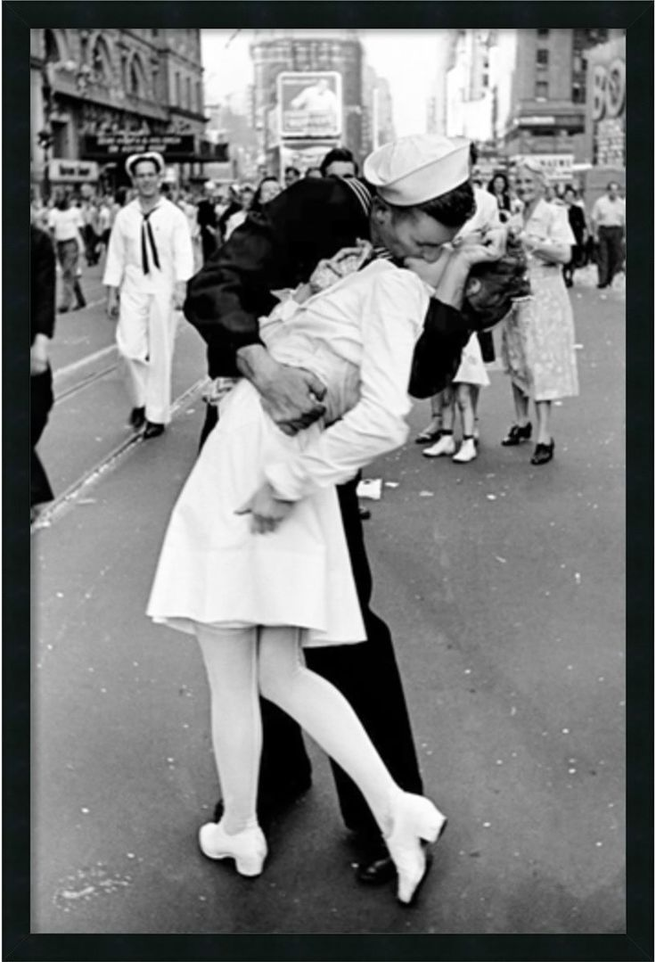A1 A2 A3 SAILOR KISSING NURSE IN TIMES SQUARE ICONIC CANVAS BOX ART  A4