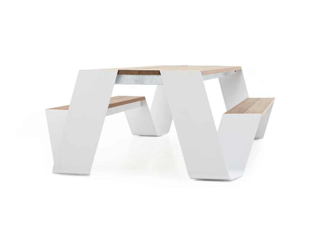 Hopper Picnic Tables Extremis En 2020 Avec Images Table Bois Table Design Table De Jardin Bois