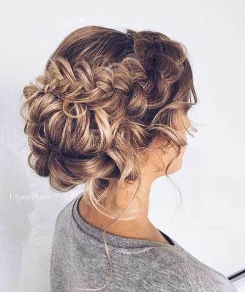 15+ UPDO STYLES FOR GIRLS WHO WANT TO TRY NEW HAIRSTYLES
