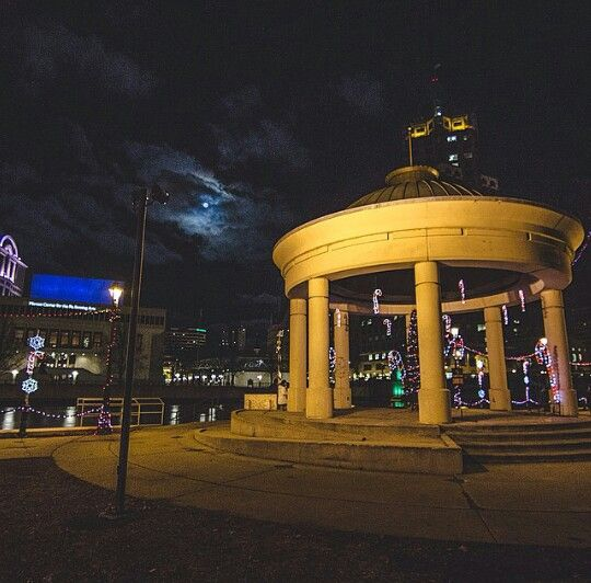 Pere Marquette Park in Downtown Milwaukee. Taken by @Shootmilw on Instagram.