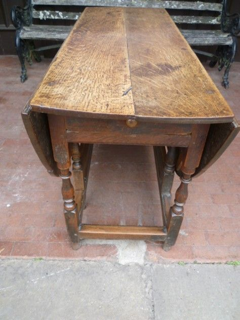 Antique oak country gateleg table -526ffa97-4267-4305-99c9-fc0a79adb841.jpg