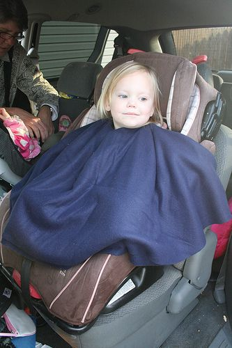 Almost No Sew Poncho For Carseats And While Baby Wearing Dont Put Your Kids In Coats The Carseat Only Exception Being Thin Fleece