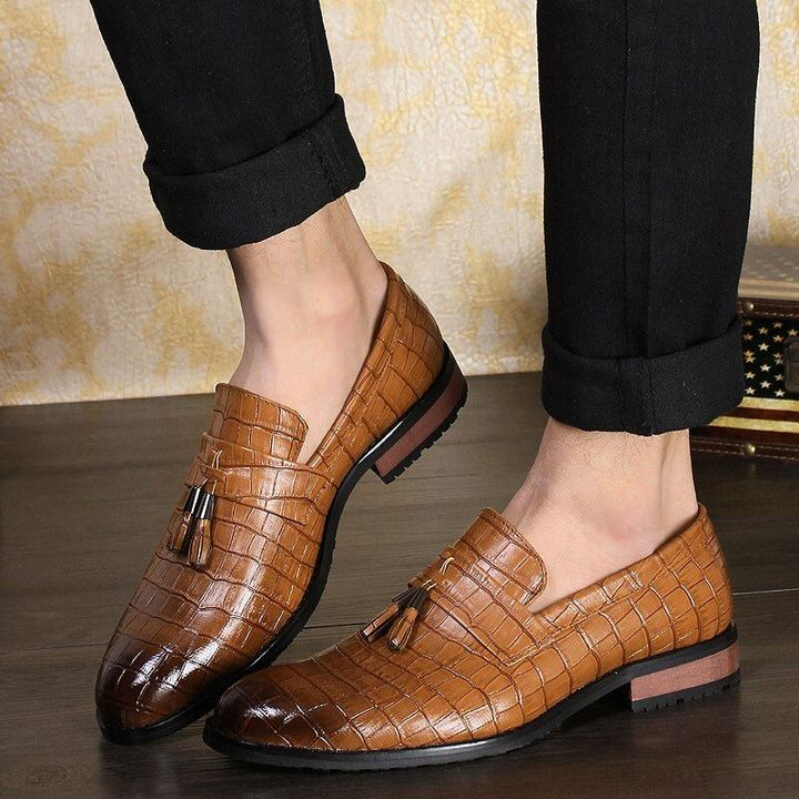 Vintage Men Tassel Casual Loafers Pointed Toe Leather Shoes Dress Formal Oxfords