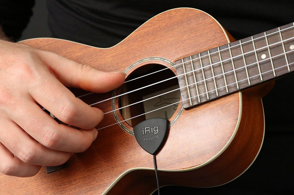 Irig Acoustic Guitar Mobile Microphone Crams A Complete Studio Into A Guitar Pick Guitar Acoustic Guitar Music Supplies