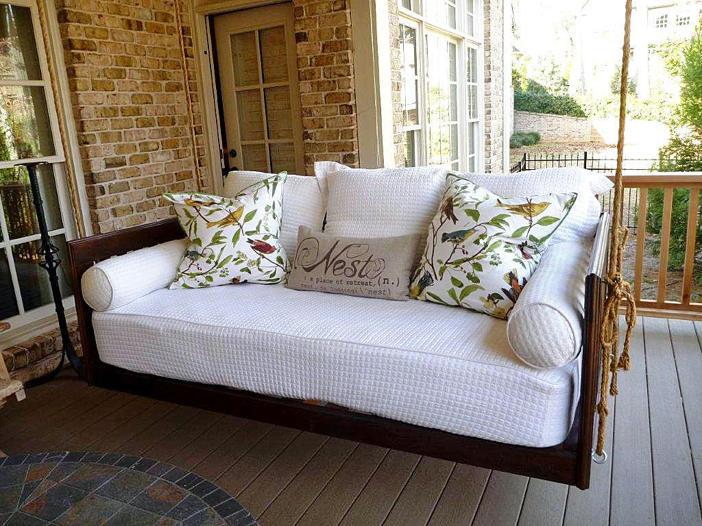 Diy outdoor hanging bed - 19 Marvelous Porch Swing Designs For Spring Enjoyment Hanging Porch Bedporch