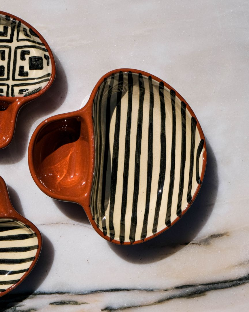 Olive plates, with a separation for pits.   #ceramica #ceramics #handmade #pottery #ceramic #art #design #interiordesign #ceramicart #clay #arte #homedecor #keramik #decor #ceramicartist #potterylove #stoneware #cer #architecture #clayart #loveceramics #artesanal #contemporaryceramics #ceramicdesign #handmadeceramics #feitoamao #artesanato #handmadepottery #functionalceramics #interiors