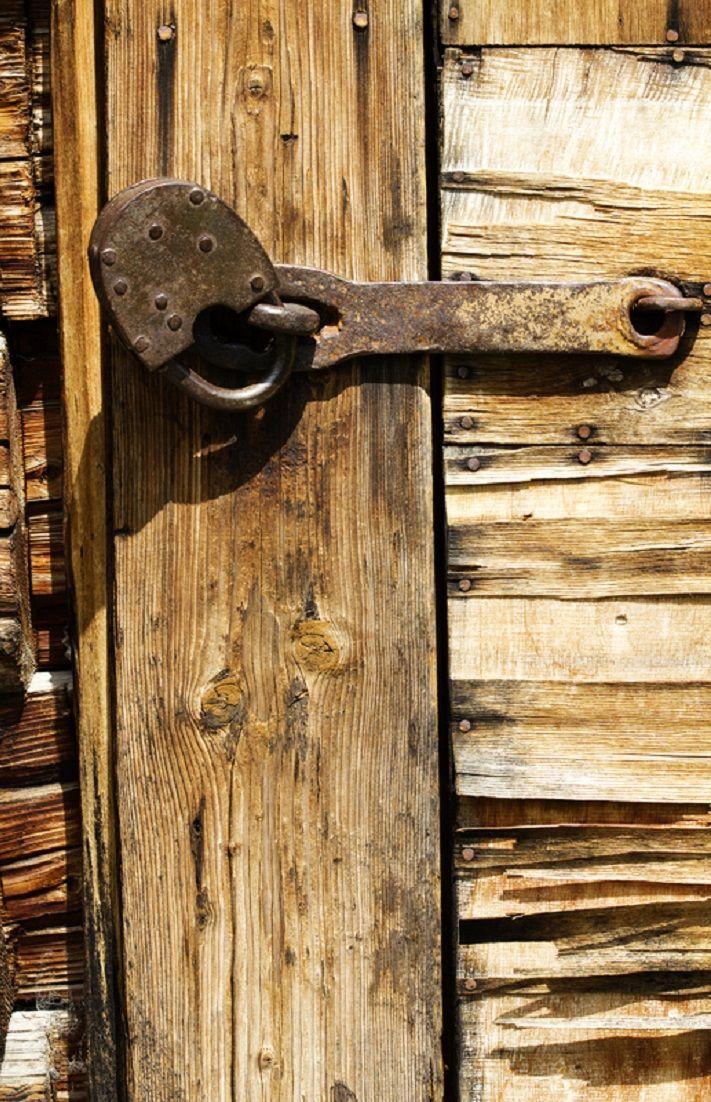 Tool for closing the old house doors. Door locks, Doors