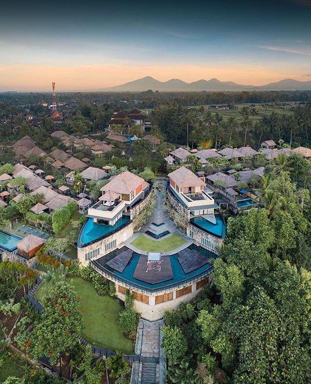 Rekomendasi Tempat Wisata Ubud Bali Kamandalu Five Star