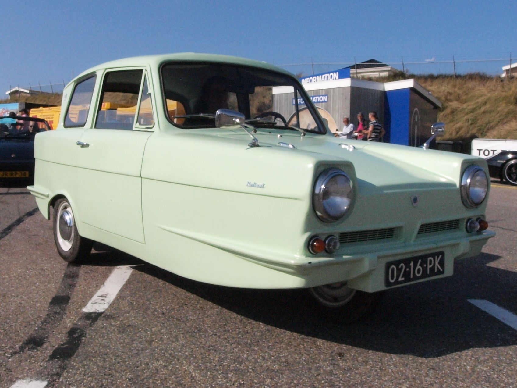 Reliant regal mr bean s car great i ve bean