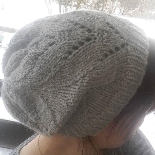 #beanie #instaknitting #instaknit #knitting #knittingaddict #knittersofinstagram #yarnstagram #dropsnepal #yarnlove #yarn #handmade #käsityöblogit