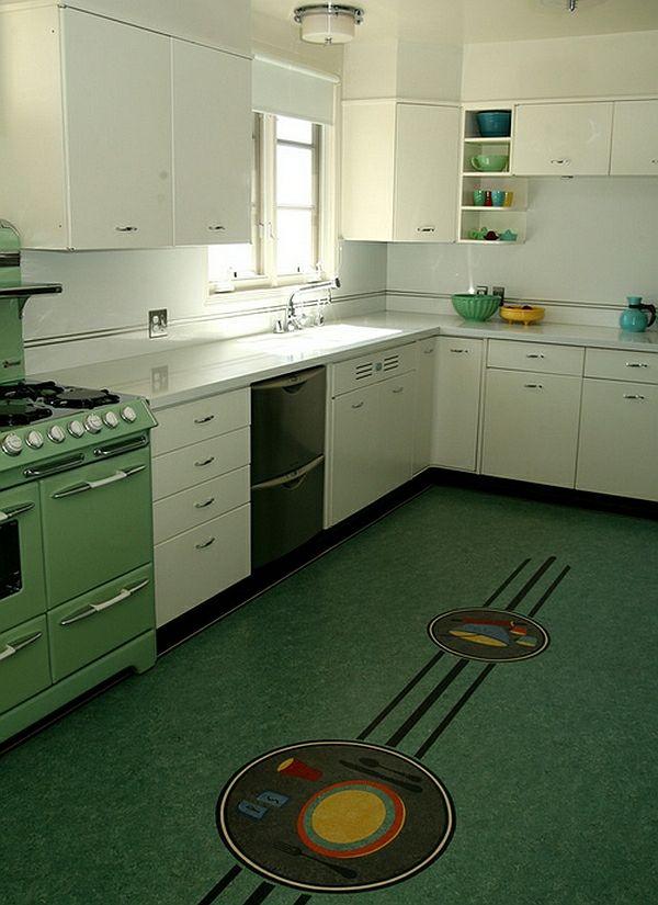 retro küche bodenmosaik weiße schränke hochglanz | House ...