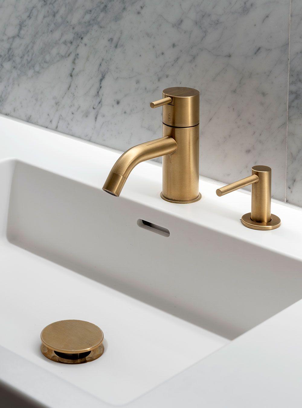 Brushed Gold Bathroom Faucet Gold Bathroom Faucet Bathroom Faucets Gold Bathroom [ 1350 x 1000 Pixel ]