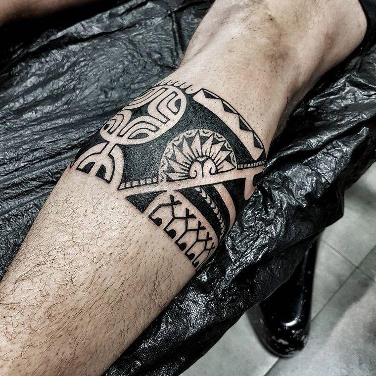 tatuaggi maori,fascia,gamba