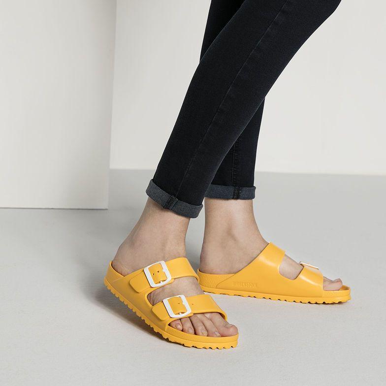 Socken und sandalen trend
