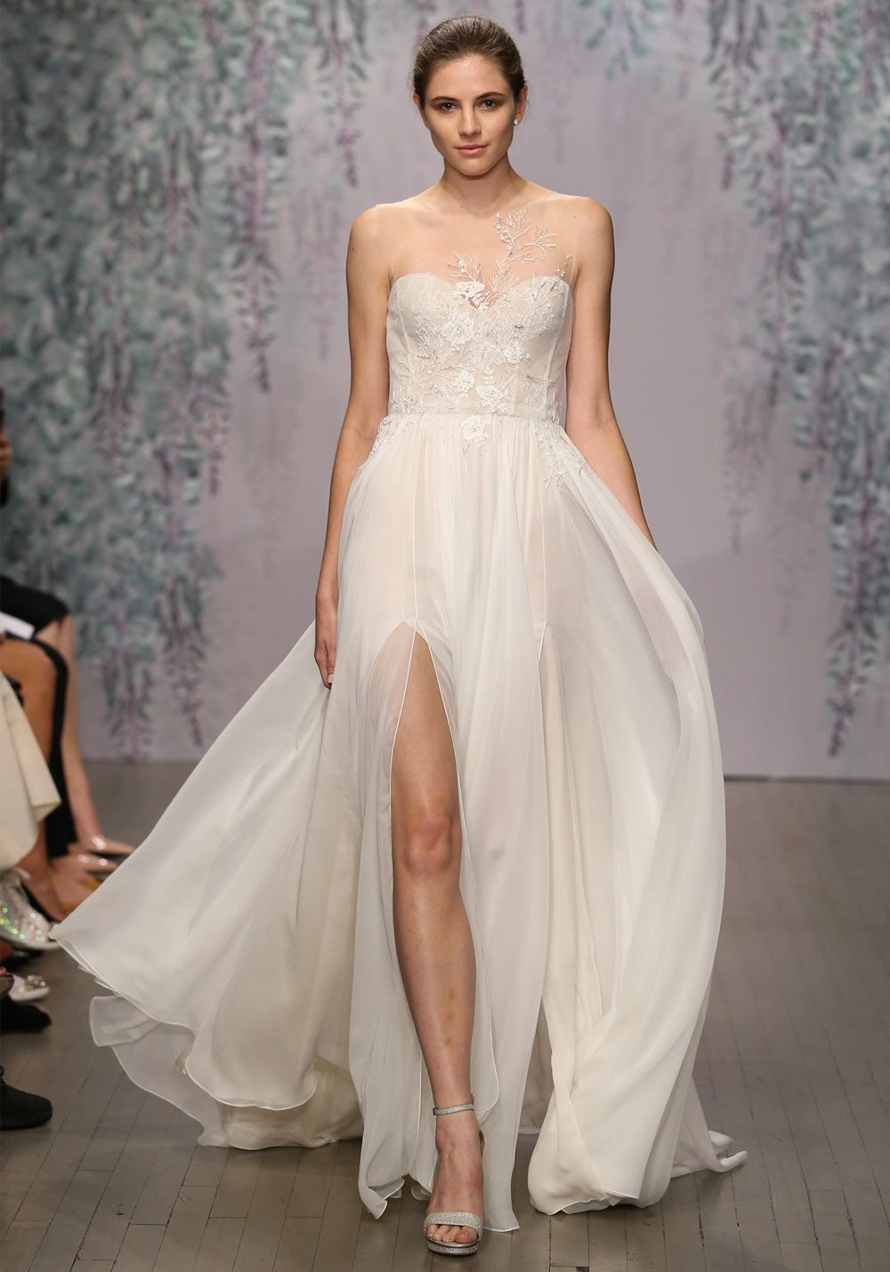 Figure Flattering Wedding Dresses for Every Type of Body Shape ...