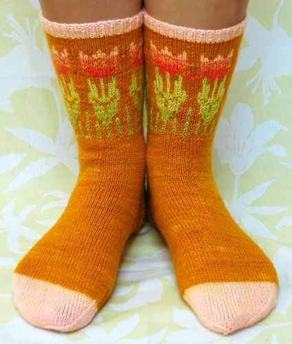 tulip socks pattern ♥