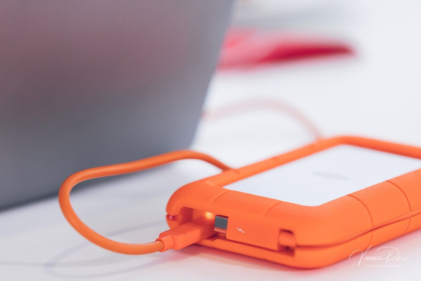 Lacie Rugged Thunderbolt Usb 3 0 1tb Ssd Festplatte Im Test Fur Youtuber Usb Ssd Smartphone