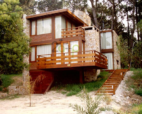 Baranda de madera para balcones patios galer as terrazas - Pasamanos de madera modernos ...