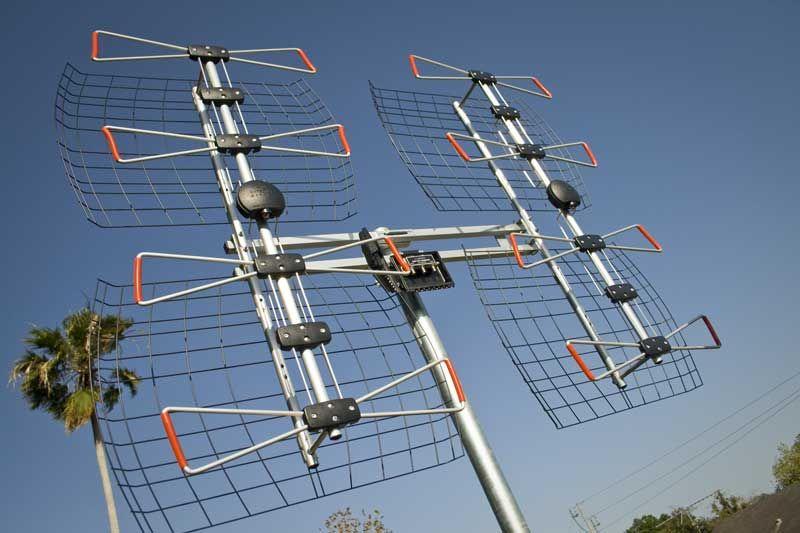 Antennas Direct Db8e Ultra Long Range Antenna Review Long Range Tv Antenna Diy Tv Antenna Outdoor Tv Antenna