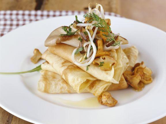 Herzhafte Crêpes mit Pilze-Sprossen-Gemüse ist ein Rezept mit frischen Zutaten aus der Kategorie Crêpe. Probieren Sie dieses und weitere Rezepte von EAT SMARTER!