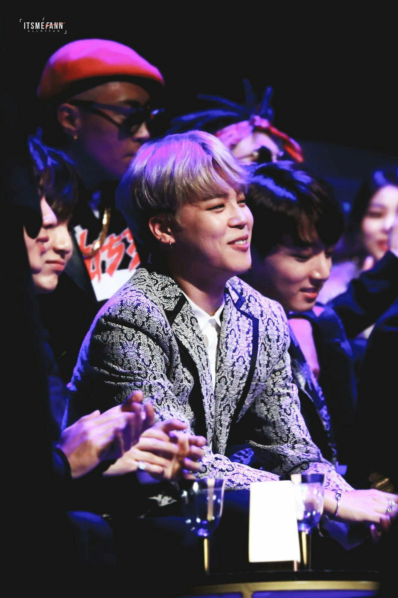 "•161202 BTS' JIMIN MAMA 2016 They won ""Best dance"