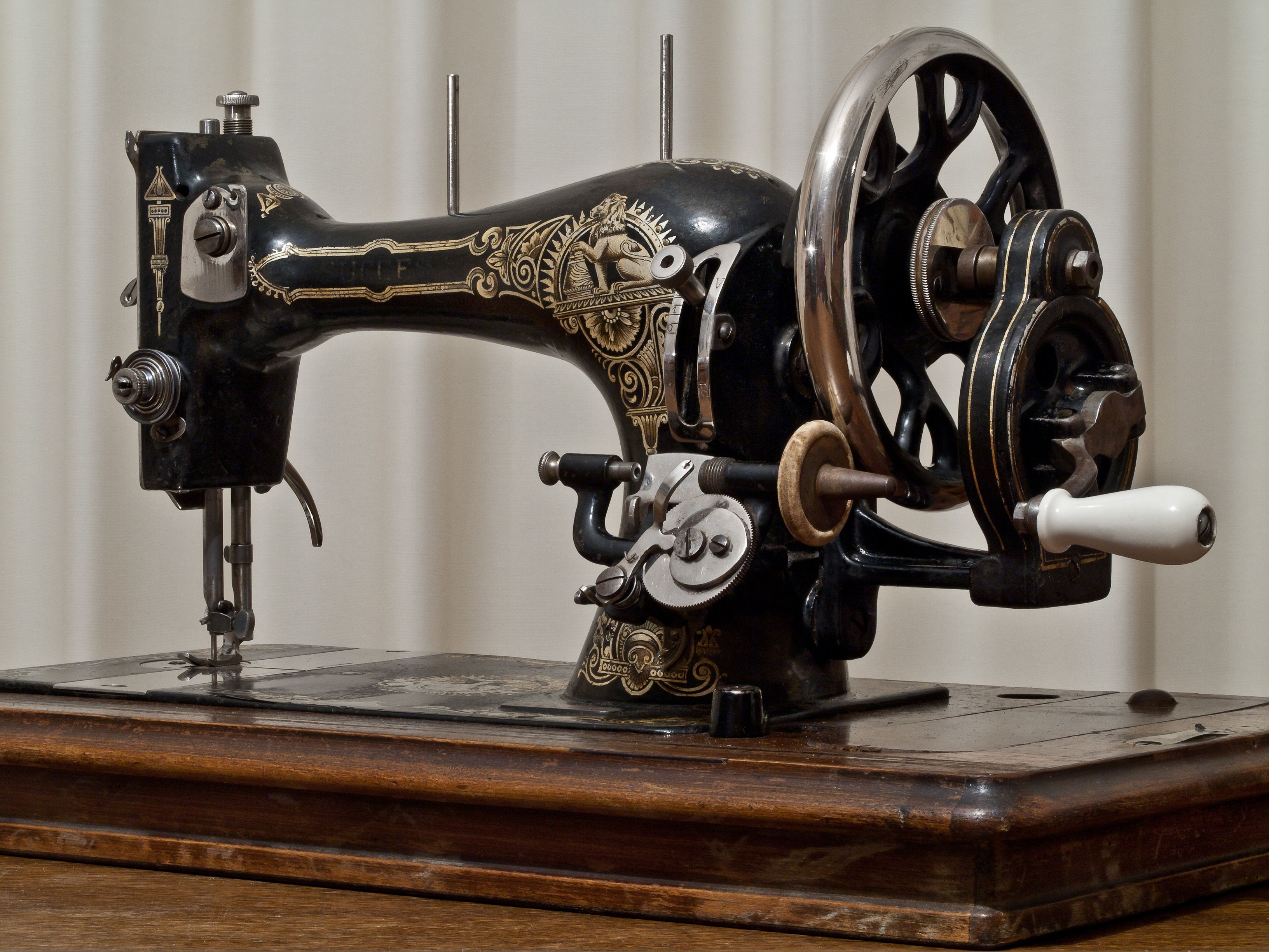 File Succes Vintage Sewing Machine Jpg Wikimedia Commons