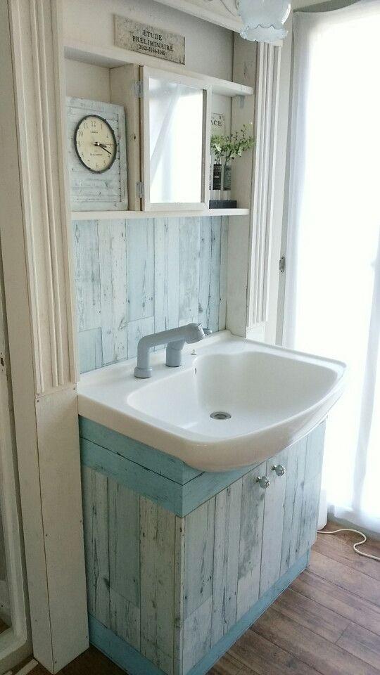 実家リノベ 洗面所にセリアのリメイクシート オールドウッドb を貼って