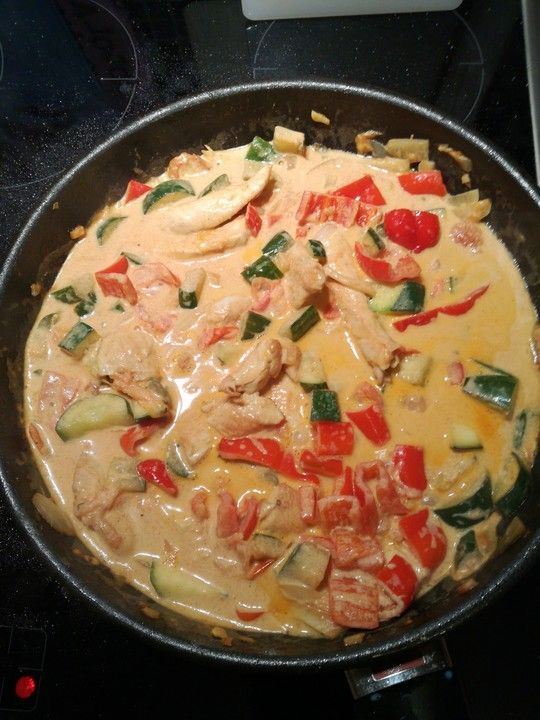 Photo of Low-carb chicken breast with zucchini and tomatoes in creamy cream cheese sauce from HannaEwa | chef