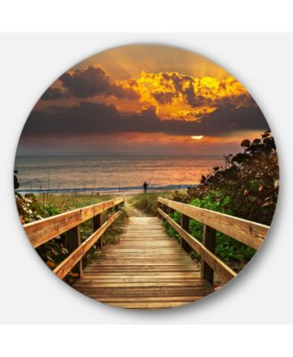 Design Art Designart 'Long Wooden Stairs Into The Sea' Bridge Metal Circle Wall Art – 38