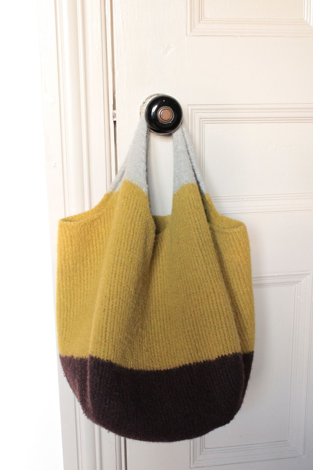 farmers market bag... knitty... <3 the 3 colours... | Knitting: Bags ...