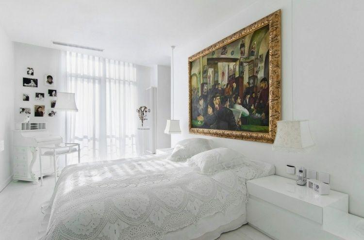 Weißes Schlafzimmer mit Wandbild als Farbakzent Ideen rund ums - schlafzimmer beispiele farben